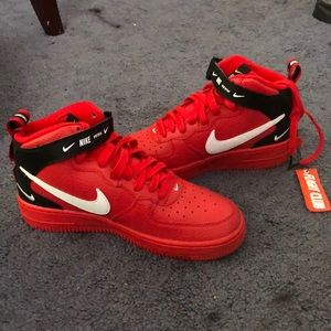 Air Force 1 Mid Utility University (Red)
